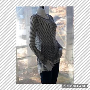 Planet Gold soft long sleeve lace shirt!